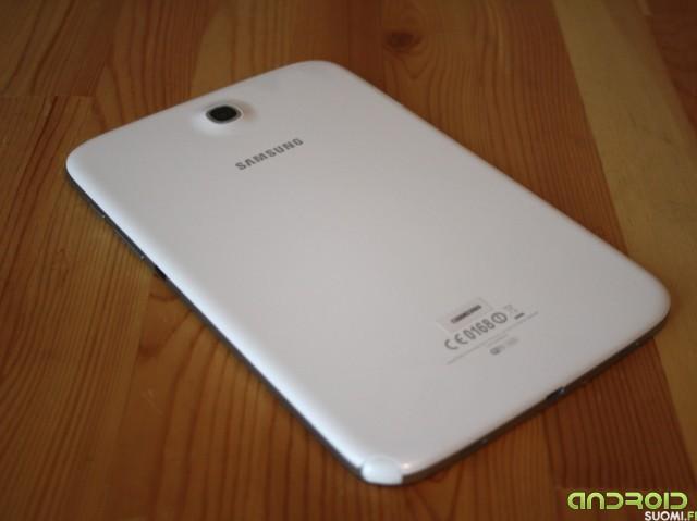 Samsung Galaxy Note 8:n yleiskuva takaa