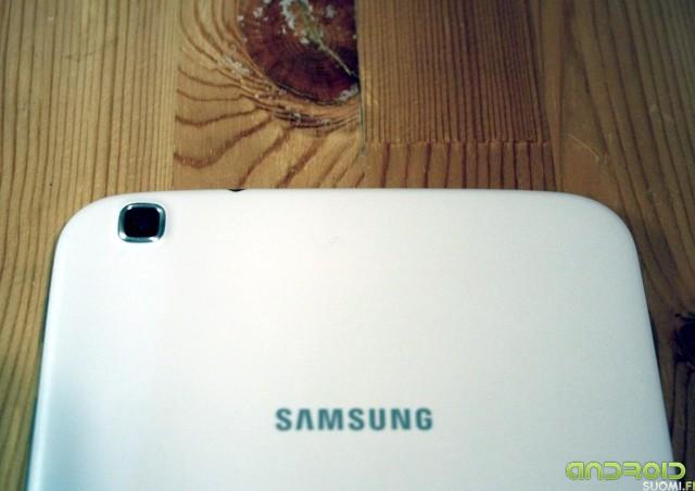 "Galaxy Tab 3 8"" takakamera"